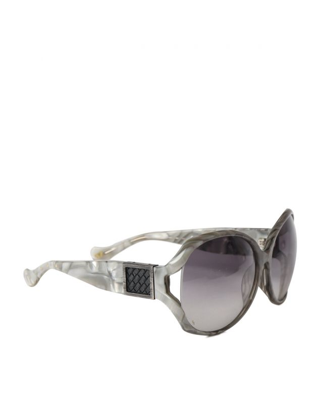 Mother of pearl frame wrap sunglasses