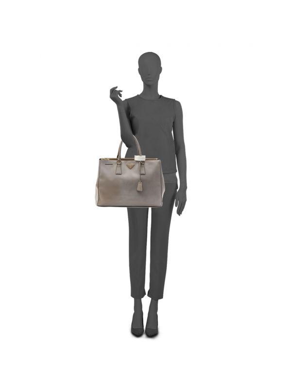GREY MEDIUM SAFFIANO LUX TOTE