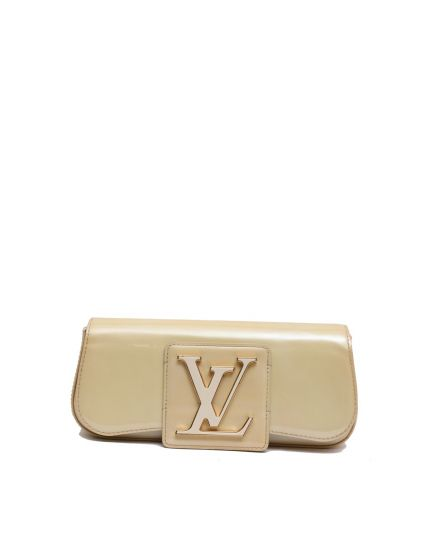 LOUIS VUITTON IVORY PATENT SOBE CLUTCH